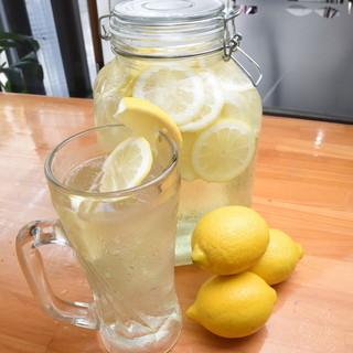 自家製レモン酒のレモンサワー