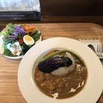 カフェ ド パルファン - チキンカレー1,100円