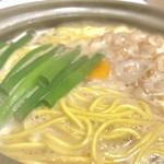 鍋焼きラーメン千秋 - 料理写真: