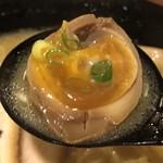 牡丹荘 - 豚骨チャーシュー麺@850円の味玉