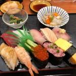 健康寿司海鮮家 - 中生にぎり 1000円。