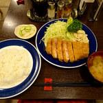 とんかつ 旭軒 - ロースカツ定食1400円