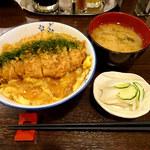 とんかつ 旭軒 - カツ丼1100円