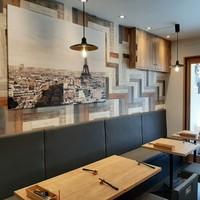 欧風食堂 曽和料理店-入りやすいカジュアルなカフェ風の内装は、まさに欧風食堂!