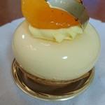 114756682 - トロピカル系のケーキ