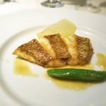 114759643 - 産地直送 魚料理 真鯛のポワレ シェリービネガーソース
