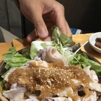 酒場食堂 もんぱち 坂ノ上-冷しゃぶ(豚バラ)おろしポン酢