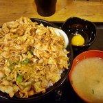 伝説のすた丼屋 - すた丼肉飯増し(600円+220円)
