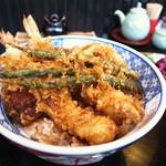 割烹 天ぷら 三太郎 - 海老・野菜天丼
