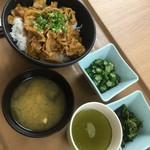 東京大学 中央食堂 - 料理写真:これで700円以下…