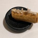オマージュ - 馬肉タルタルを詰めた春巻き