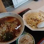 美華大飯店 - Bセット(らーめん+焼豚チャーハン)