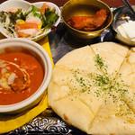 トムボーイ 106 モアイカフェ - ランチ チーズナン+バターチキンカレーのセット