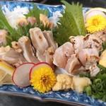 郷土料理・黒豚しゃぶ鍋・ぞうすい 八幡 - 地産鶏の刺身盛