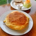 ティーポット - 料理写真:山のハンバーグシチュー