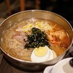 炭火焼肉屋台 たじま屋 - ☆韓国冷麺 650円