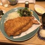 漣 - 料理写真:大海老フライ定食