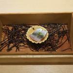 サンプリシテ - しらすといわしのタルトの燻製