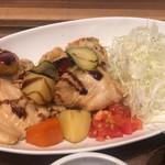 Sakurashokudou - さらに付け合わせがサラダと被っています
