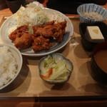神田魚金 - ランチの鶏唐揚げ定食