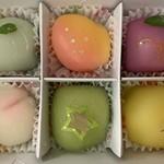 松竹堂 - マスカット マンゴー ふどう もも メロン パイナップル。見た目も凝ってて可愛らしい。キラキラと宝石箱のようだ。