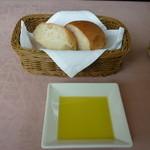 11487004 - ランチのパン