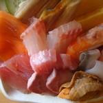 11488782 - 海鮮丼(980円)