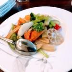114891140 - 季節野菜岩塩炒め