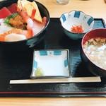 114893616 - 海鮮丼