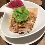 龍の子 - 茹で豚とキュウリのうま辛ソース