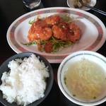 小籠包の長城 - エビチリ定食 750園