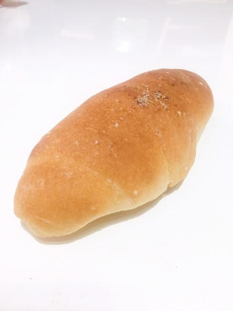 どんぐり 本店 - 塩パン