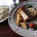 フレンチーナ - 鰤のムニエルとハーブポテト アンチョビのソース