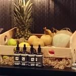 バー ヤナギ - 今日のフルーツたち