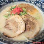 味見鶏まるめん - 豚骨ラーメン(並) 770円