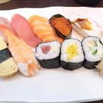愛菜 - ランチ寿司10貫
