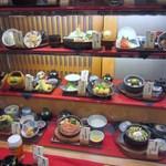 石蔵 - 店頭に飾られたメニューの中から「鯛めしと瓦そばの膳」選んで注文してみました。