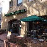 スターバックス・コーヒー - 横浜公園前の煉瓦のビルの1F