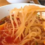 平壌冷麺食道園 - 冷麺リフト