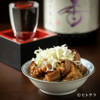 料理のおいしさを引き立ててくれる日本酒が通好みの品揃え