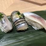 寿司 魚がし日本一 - 〇光もの3点300円税抜