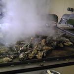 かき焼 うちの海 - ワイルドに鉄板でザザ~ッと焼きます^^v
