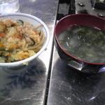 11498123 - 牡蠣ご飯とお味噌汁も食べ放題^^v