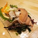 二半亭 - つぶ貝刺身 720円