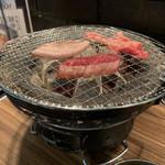 114986333 - 七輪でいただく美味しい焼肉ランチです。