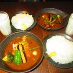 Supukarerabi - 2人のチキンto野菜カレー 1274円(税込)【2019年9月】