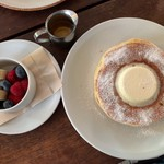 114999279 - クラシックバターミルクパンケーキ