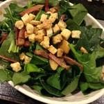 とべ食堂 - ベーコンとほうれん草のサラダ。絶品♪
