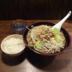 ゴリラーメン - 味噌ラーメン750円ランチサービスご飯と野菜増し