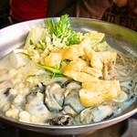 11500705 - おっぱい鍋(2人前より) ←豆乳ベースの牡蠣鍋